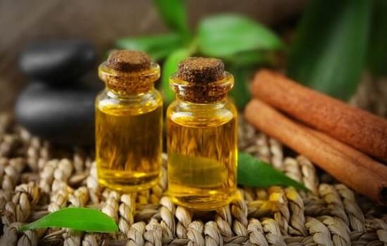 El aceite de árbol de té se usa como repelente natural de piojos
